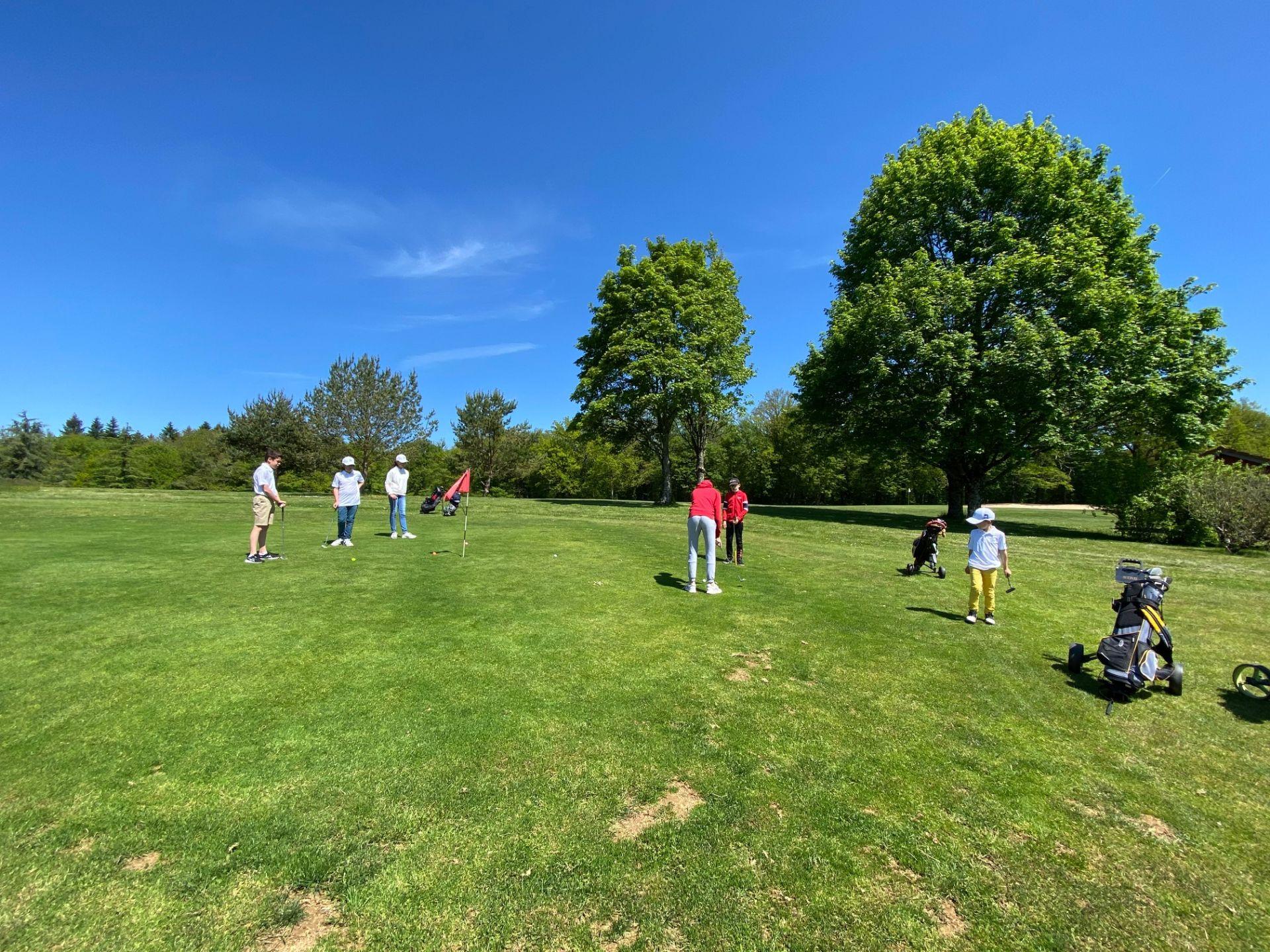 """Fin de l'École de Golf et """"Stages Juniors"""" de Juillet"""
